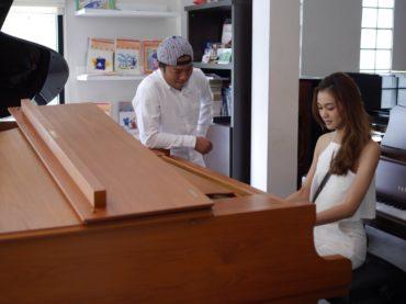 การฝึกเล่น Piano คนเดียว